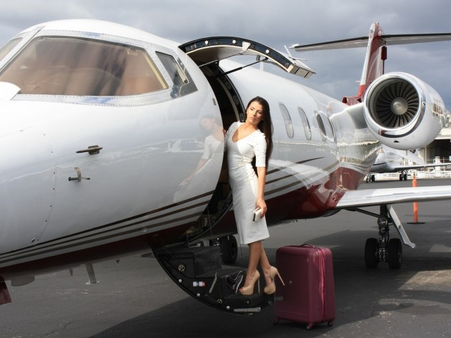 Hutchinson County Airport (BGD, KBGD) Private Jet Charter