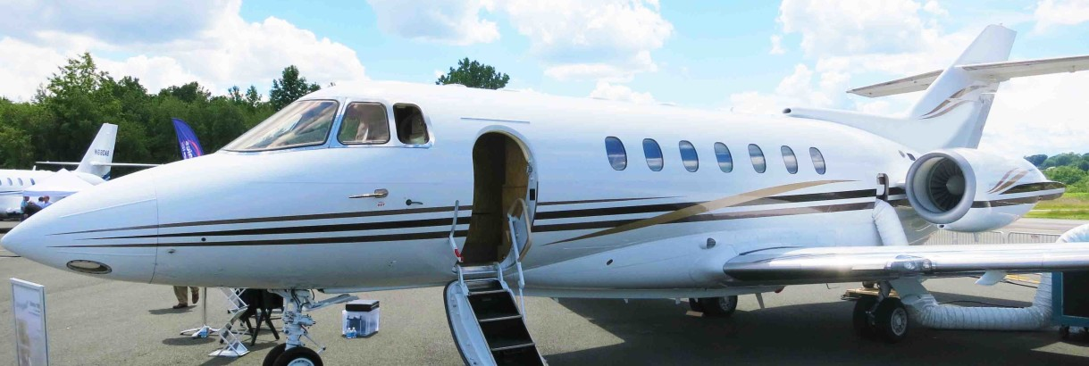 Hawker 1000 exterior