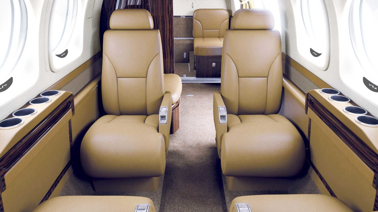 King-Air 90GTX Interior
