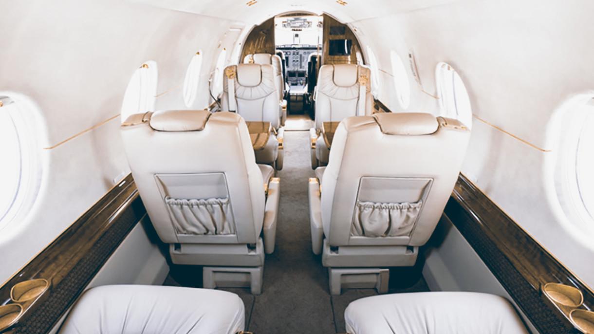 Hawker 400xp interior