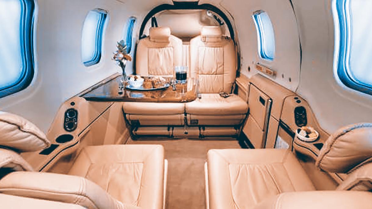 interior Cheyenne 400LS