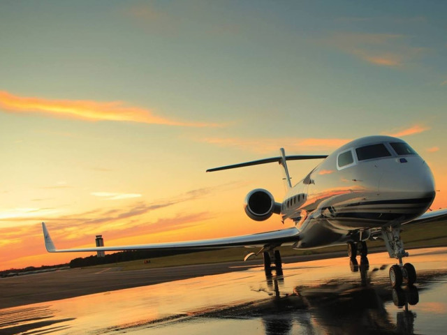 Air Charter Miami to London