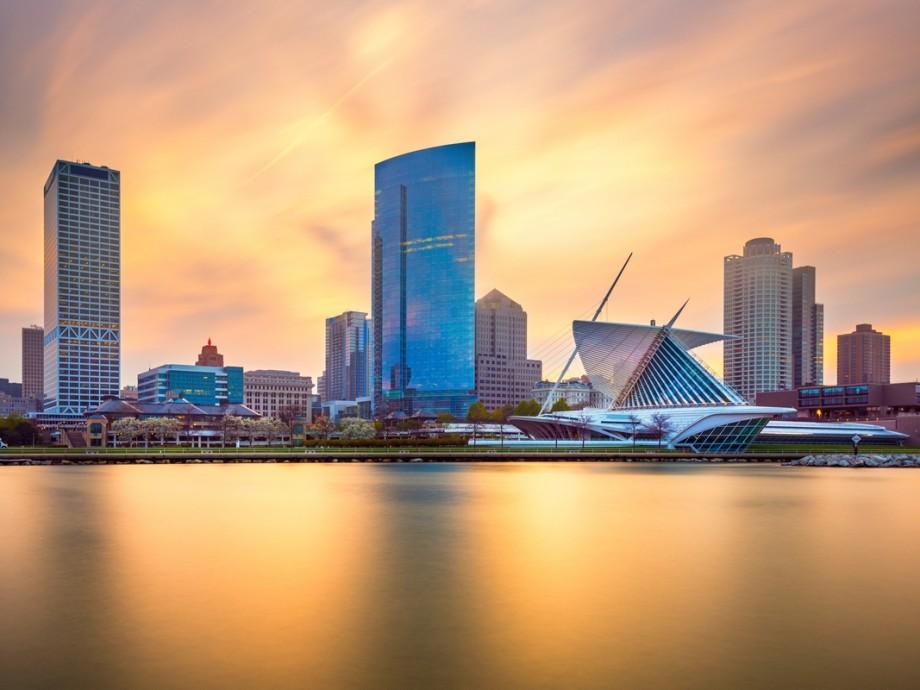 Milwaukee Private Jet Charter