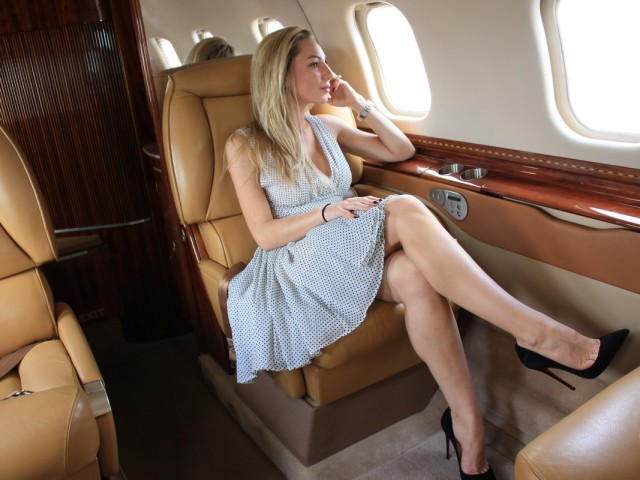 What Kind of Meals Are Served Aboard Private Jets