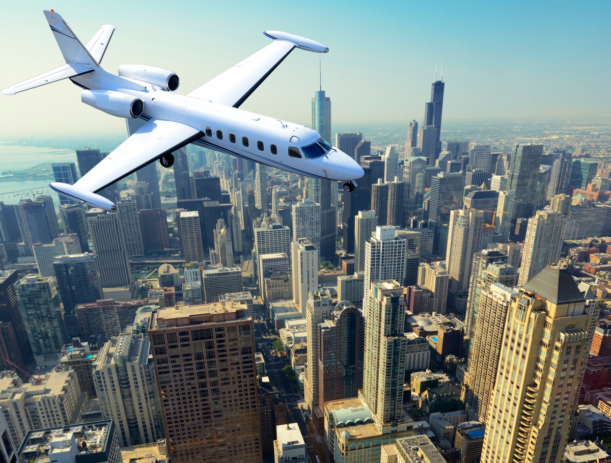 Discover Chicago with Mercury Jets
