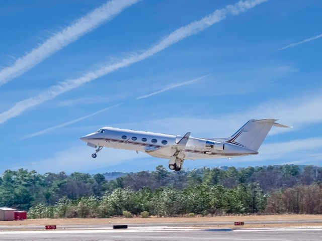 Private Jet Charter West Palm Beach to Palm Springs