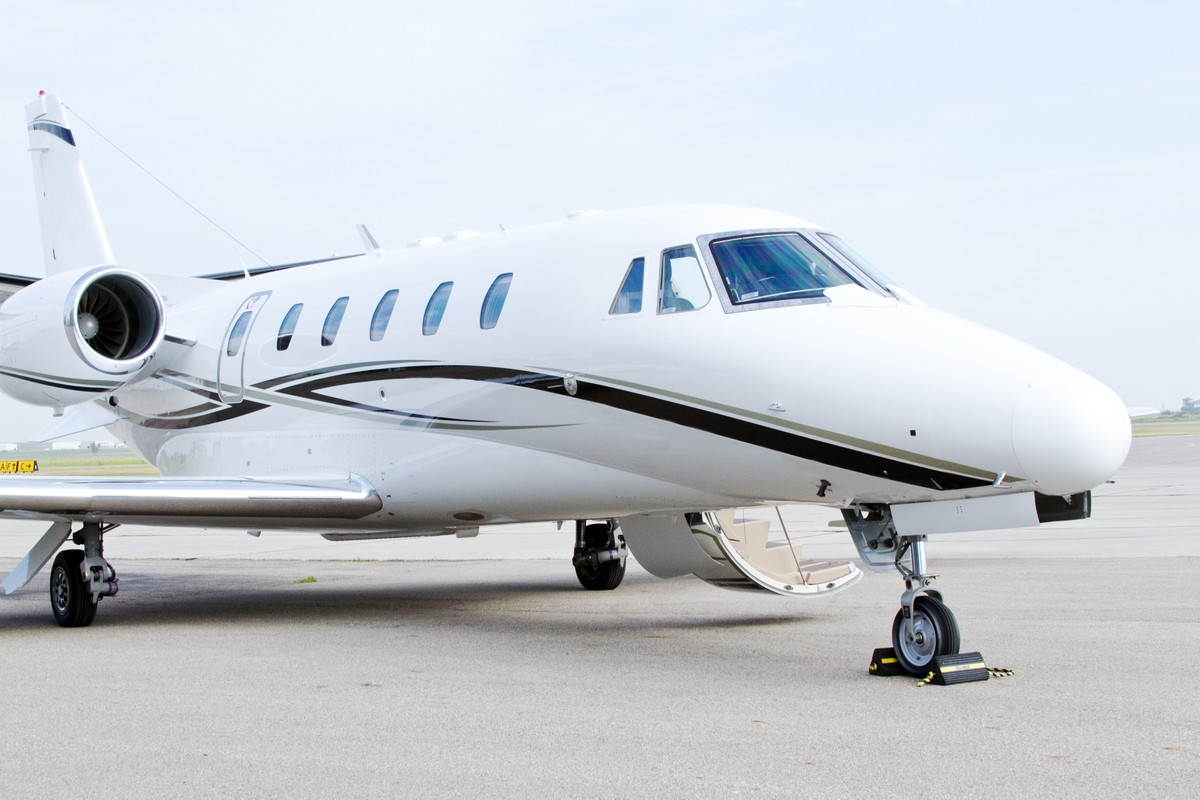 Private Jet Charter Houston to Fort Lauderdale