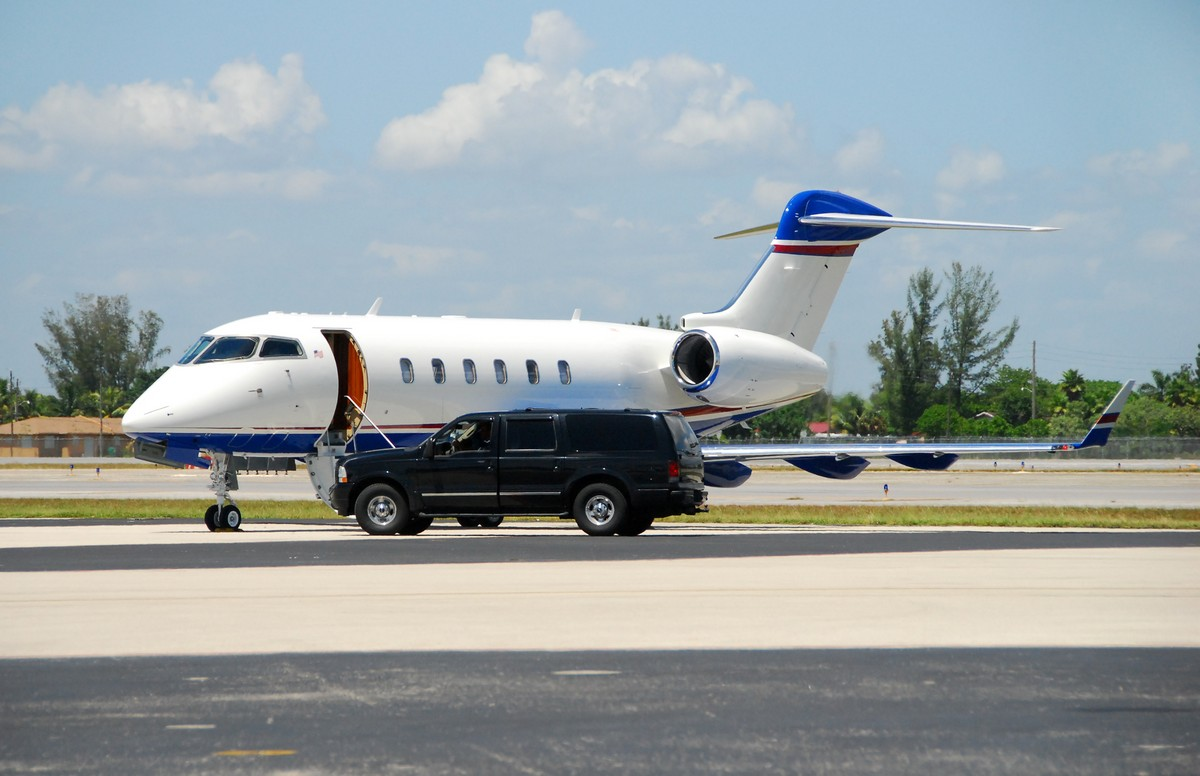 Recommend private jet options for an on-demand private charter to San Diego