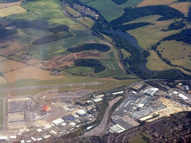 London Luton Airport (LTN, EGGW) Private Jet Charter