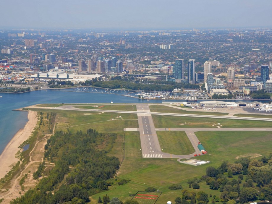Billy Bishop Toronto City Airport (YTZ, CYTZ) Private Jet Charter