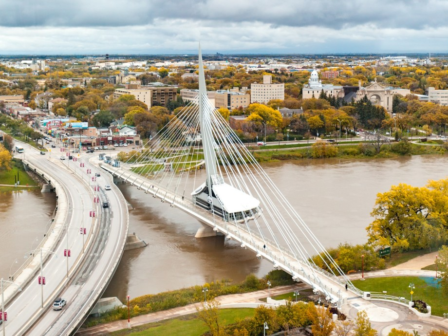 Winnipeg James Armstrong Richardson International Airport (YWG, CYWG) Private Jet Charter