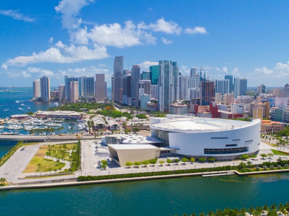 Miami-Opa Locka Executive Airport (OPF, KOPF) Private Jet Charter