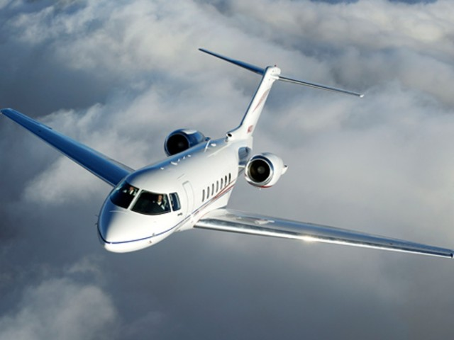 Private Jet Charter Hawker 4000
